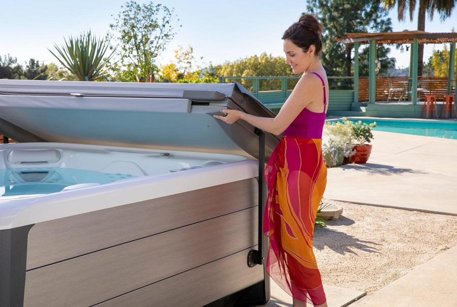 Photo of Advantages of Having a Hot Tub Cover